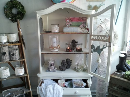 Meubels nonna 39 s shabby chic brocante for Brocante meubels
